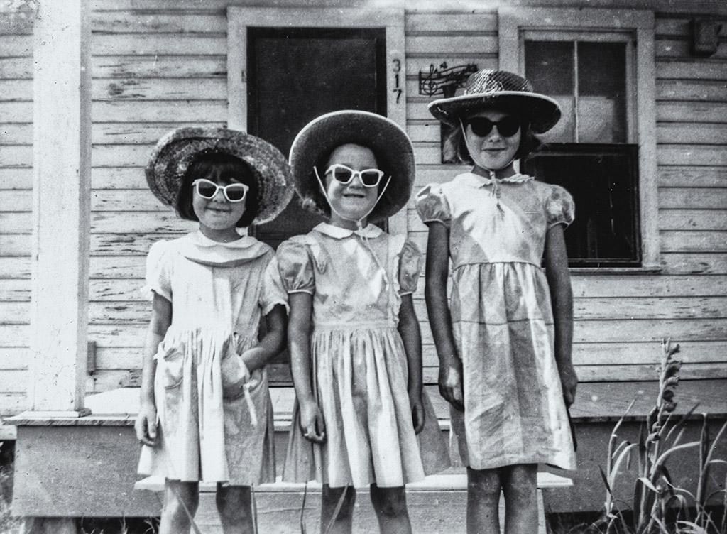 2004-09-26 The Lovely LaTour Sisters. Retro: circa 1952, Catherine, Iris, and Elaine