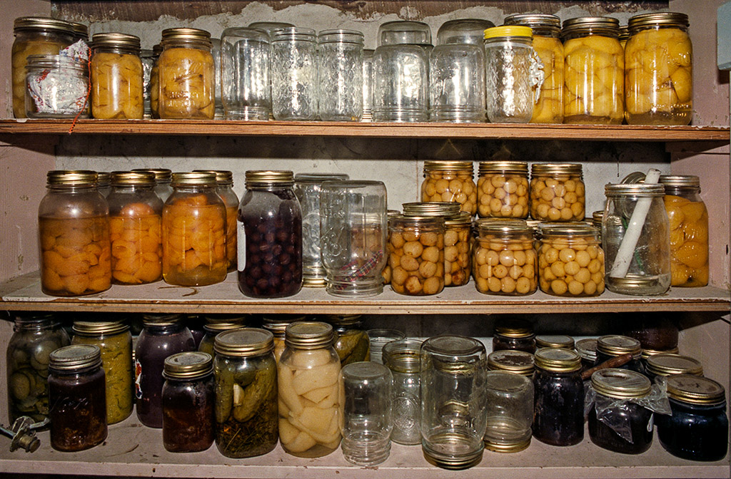 2004-11-30 Basement Cupboard with Fruit and Vegetable Preserves. Retro: 1987, Zeutenhorst Ranch, Naches Heights, Washington