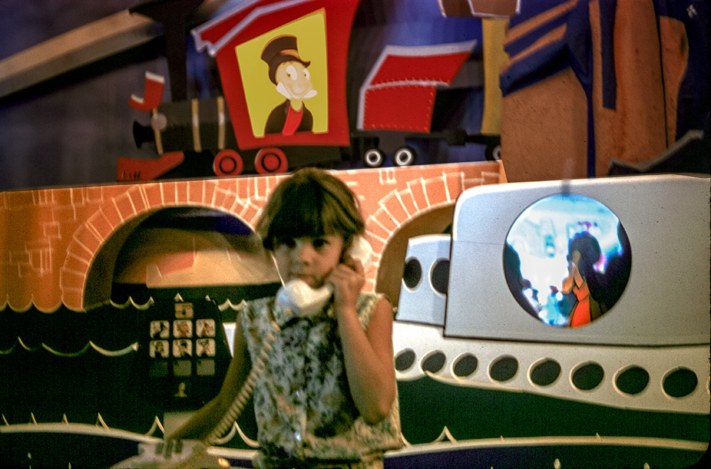 "2005-04-17 ""Hello, Jiminy is that you?"" Lynn at Disneyland"