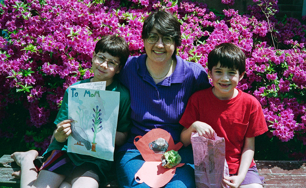2005-05-08 A Mother's Day Lookback.  Retro: 1996-05-11, Conrad, Catherine and Michael