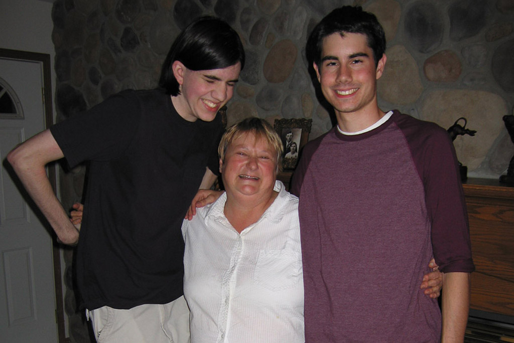 2006-08-18-Aunt-Dianne-and-the-Boys.jpg