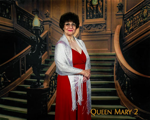 2007-07-00-Elaine-QM2.jpg
