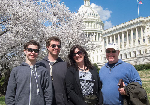 2014-04-09-Crooks-at-the-Capitol.jpg