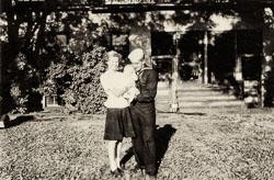 1947-00-00c-Dexter-Chuck-and-Karren.jpg