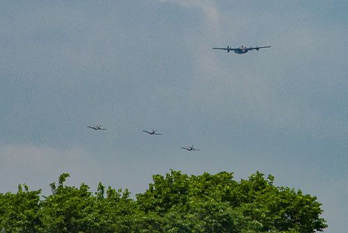 045_2015-05-08_Consolidated_B-24_Liberator_and_North_Amercian_P-51_Mustangs.jpg