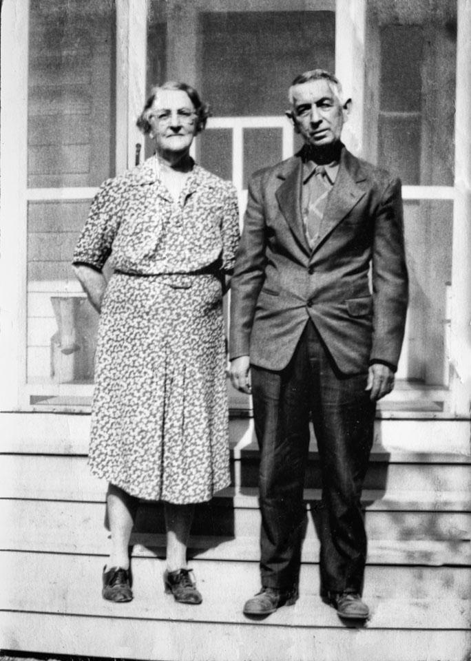 1943-Latour-Sophia-and-Arthur-original.jpg
