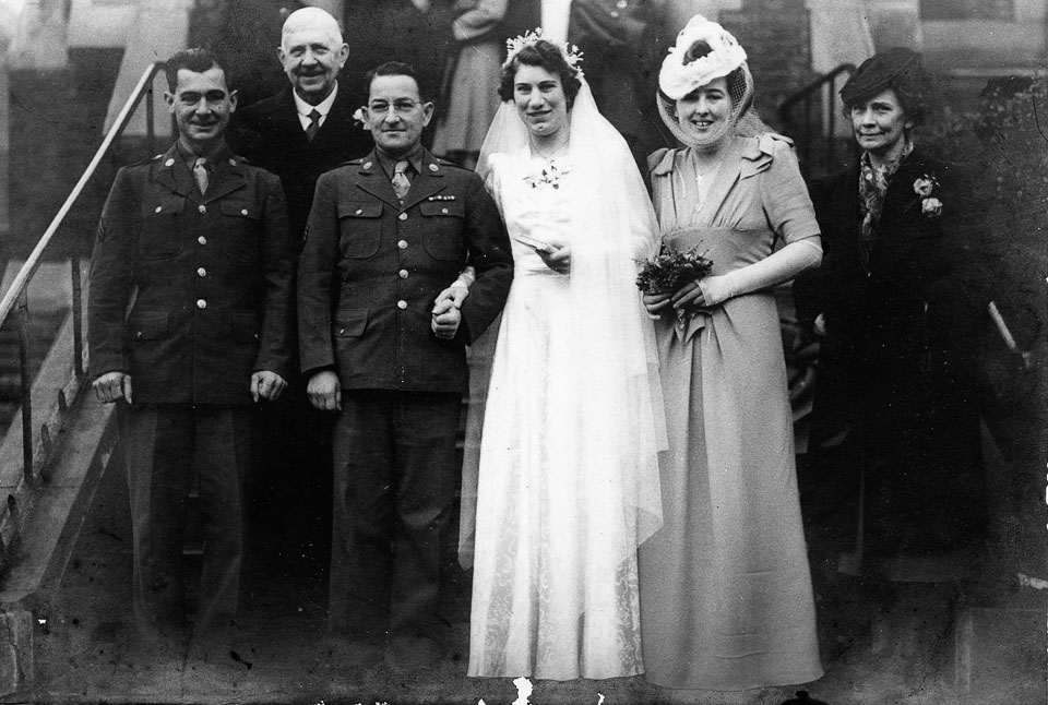Latour-–-Spencer-Wedding-1943-12-11-orignal-monochrome.jpg