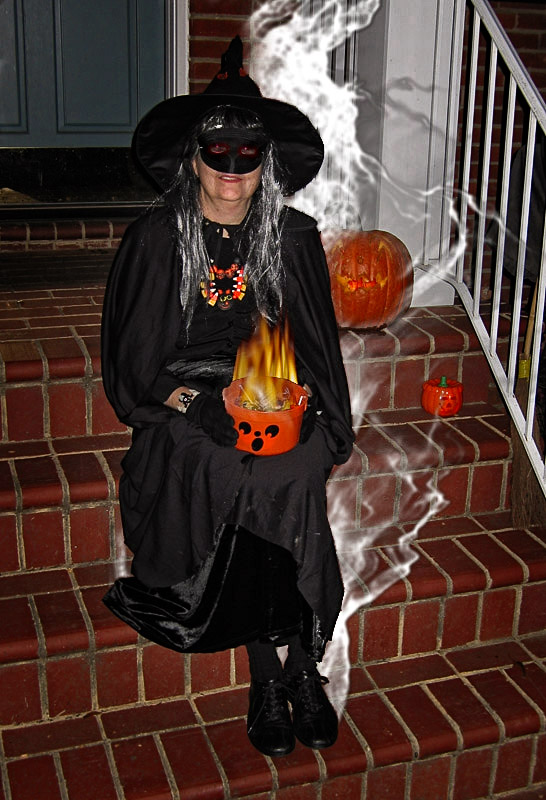 2005-10-31-Halloween-Apparition.jpg