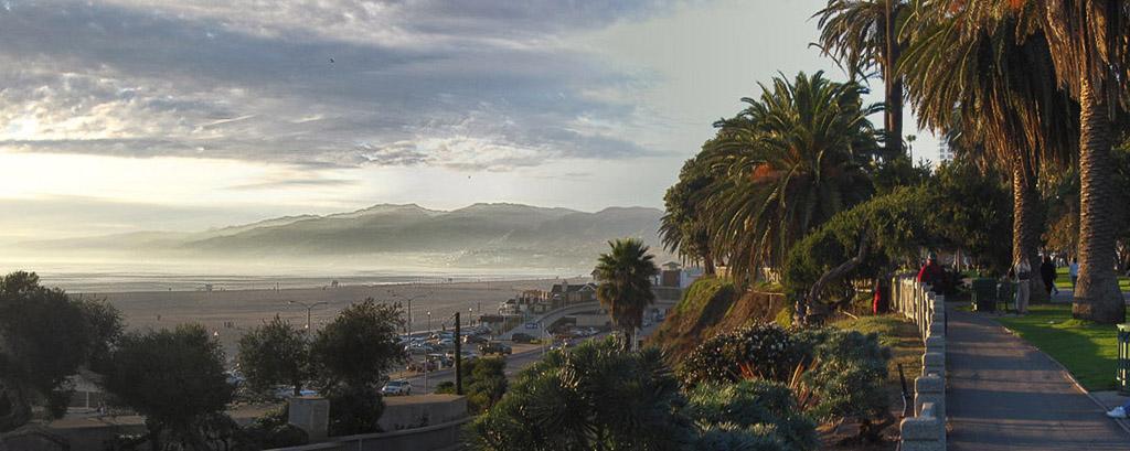 2006-02-26-Santa-Monica-Beach-Panorama.jpg