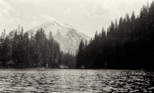 1946-08-28-Mt-St-Helens-from-Sprirt-Lake-Roll-920_r.jpg