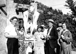 000-02-1931-07-00-Ute-Chief-Manitou-Soda-Springs-Group-Manitou-Springs-Colorado_v_r_DBC.jpg